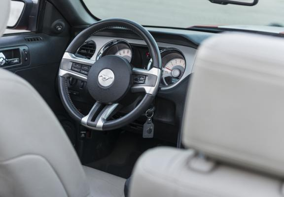 Ford Mustang Cabrio Automatic-Foto 3
